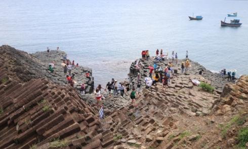 """Phú Yên """"đóng cửa"""" tất cả các địa điểm du lịch"""