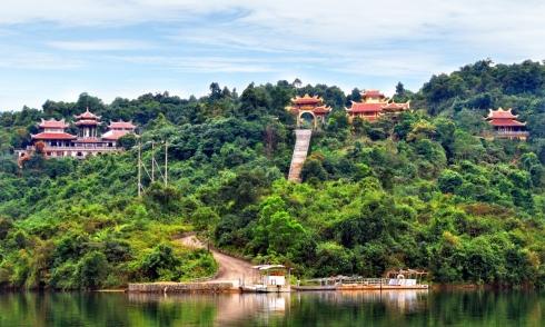 Đến Thừa Thiên - Huế khám phá Thiền viện Thiền Viện Trúc Lâm Bạch Mã
