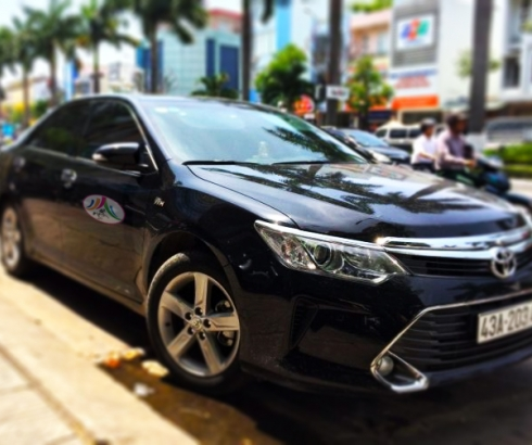 Xe Camry 5 chỗ